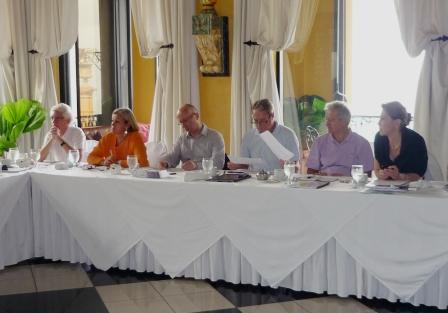 R unions r gionales des ambassadeurs et conseillers au for Conseiller commerce exterieur